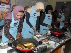 KOBE Cooking Class Di Kelurahan Gunung Sari